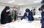 大学生と高校生が一緒にHUGを実施