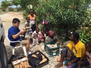 義肢の提供を待つハイチ共和国の人々