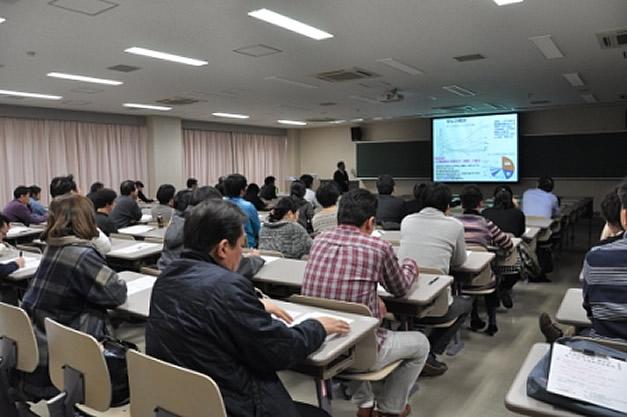 2016年2月20日、広島国際大学 薬学部 第12回卒後教育研修会を開催。